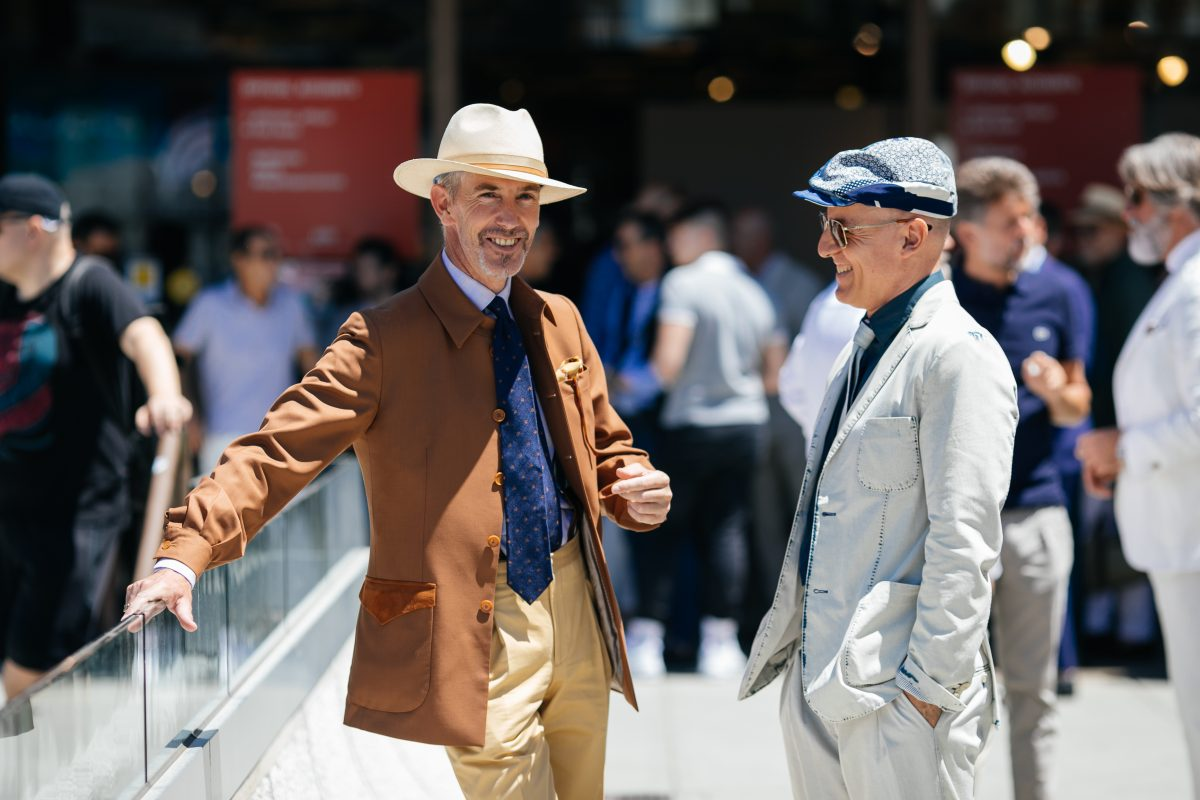 "<span class=""hot"">Hot <i class=""fa fa-bolt""></i></span> Pitti Uomo