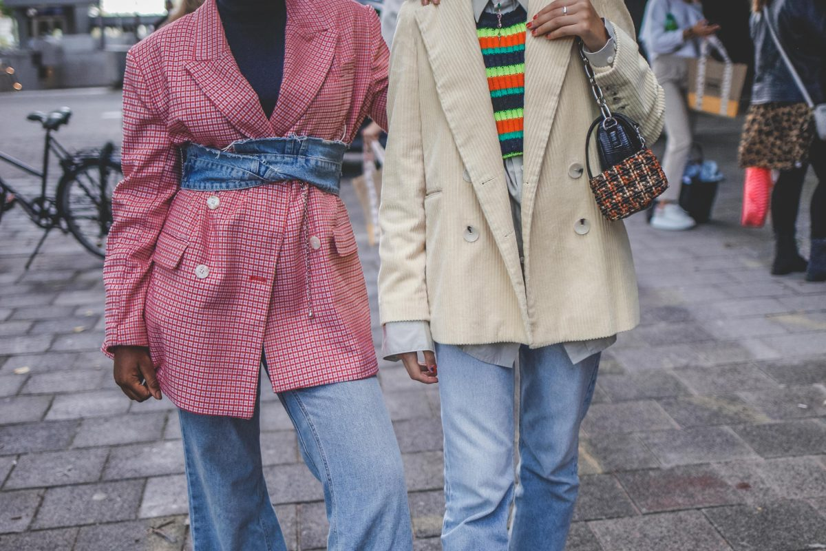"<span class=""hot"">Hot <i class=""fa fa-bolt""></i></span> Street Style 