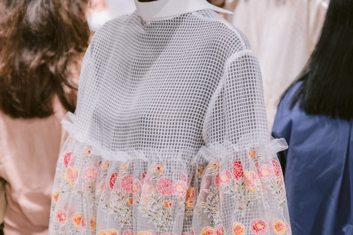 "<span class=""hot"">Hot <i class=""fa fa-bolt""></i></span> Backstage 