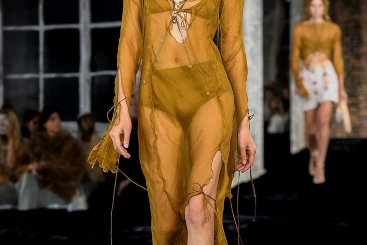 "<span class=""hot"">Hot <i class=""fa fa-bolt""></i></span> Acne Studios | Paris Fashion Week | SS22 |"